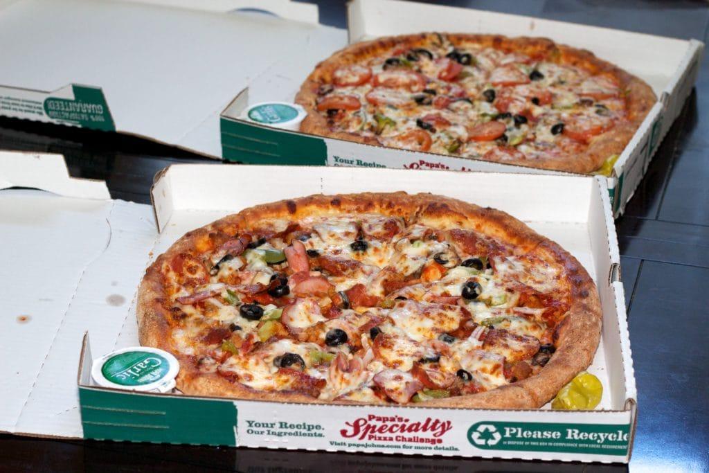 laszlo 2 pizzas photo
