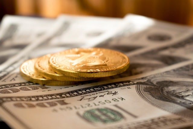 Printing money is not affecting Bitcoin