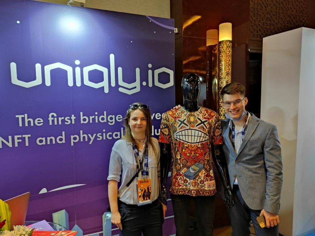 Uniqly And Blocktoq Team